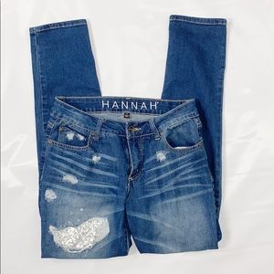 Hannah | Distressed Jeans Size: 6